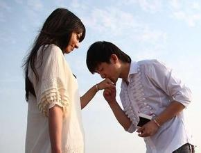 怎樣去判斷女孩是否喜歡你及應對對策?
